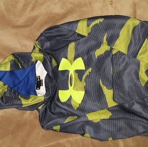 NWOT size 4 under armour hoodie